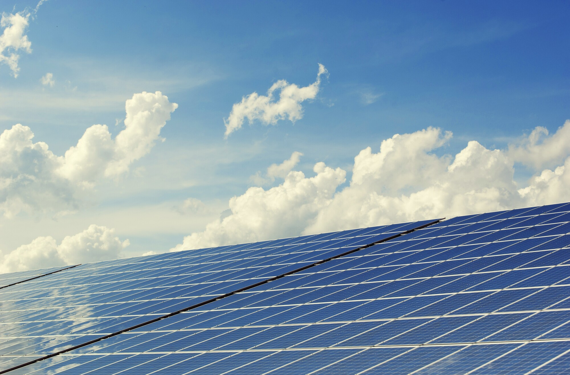 5 Reasons to Go Solar This Year